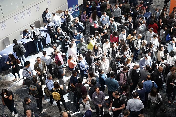 tradeshow crowd